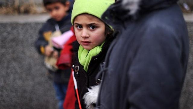 برنامج الأغذية العالمي يحذر من مجاعة في شرق سورية وفي المدن المحاصرة