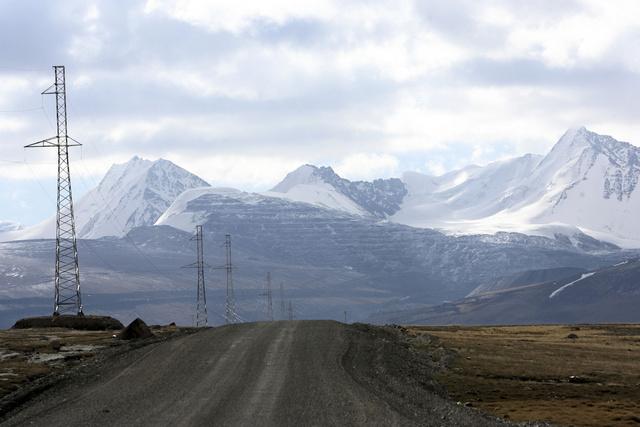 قرغيزستان تستدعي سفيرها من طاجيكستان للتشاور معه حول المناوشات على الحدود بين البلدين