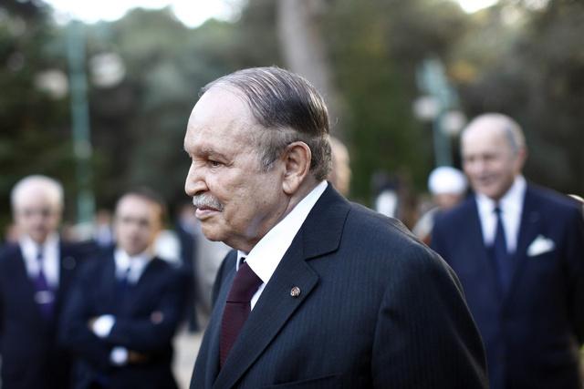 الرئاسة الجزائرية: بوتفليقة يخضع لفحوصات طبية روتينية في فرنسا