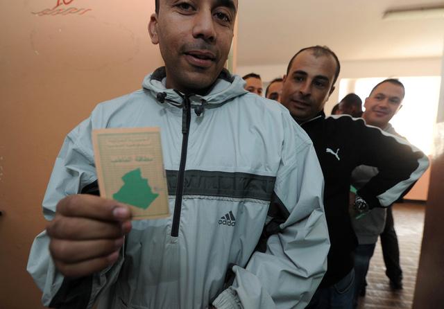 انتخابات الرئاسة في الجزائر يوم 16 أو 17 أبريل المقبل.. والرئيس يستدعي الهيئة الانتخابية قريبا