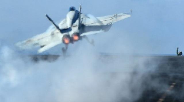 تحطم مقاتلة أمريكية في البحر شرقي الولايات المتحدة