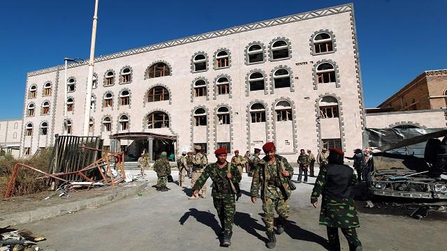مقتل 10 جنود يمنيين في هجمات للقاعدة