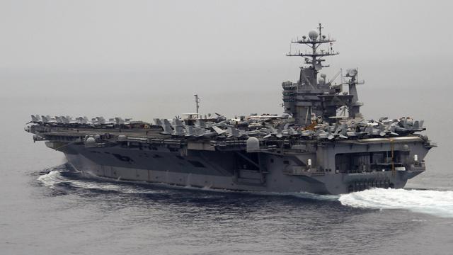حاملتا طائرات امريكية وفرنسية تدخلان مياه الخليج العربي