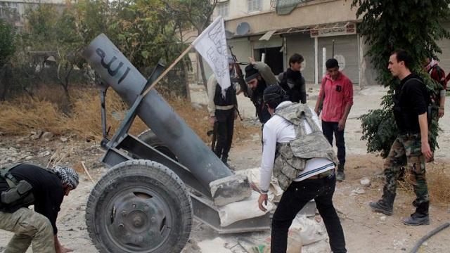 أكثر من 1000 قتيل في اشتباكات بين أطراف المعارضة السورية المسلحة