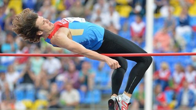 البطل الأولمبي أوخوف يحطم رقم روسيا للوثب العالي