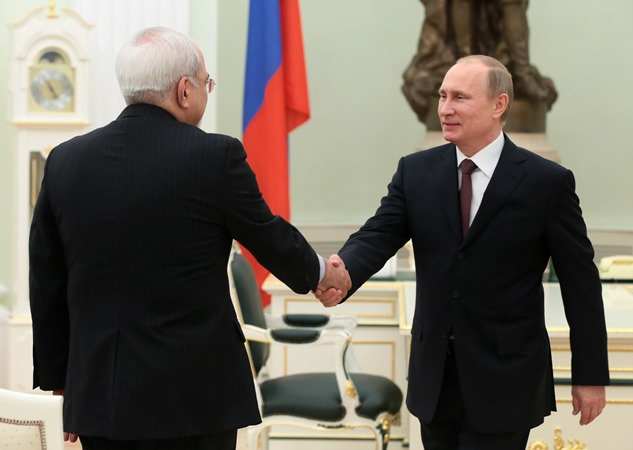 بوتين في لقاء مع ظريف: يجب ألا تبقى اتفاقات جنيف حول النووي الإيراني حبرا على ورق