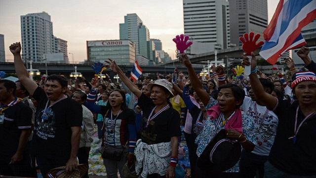 اصابة 28 شخصا في انفجار بإحدى المظاهرات المناوئة للحكومة التايلاندية