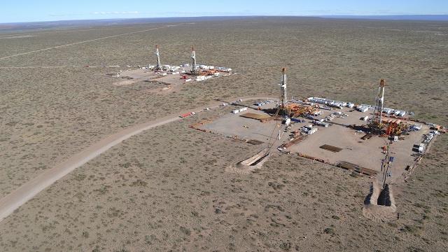 وزير النفط السعودي: النفط الصخري يساهم في استقرار أسواق الخام