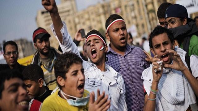 قتيل في الفيوم والأمن يفرق تظاهرات لطلاب الإخوان في جامعة القاهرة