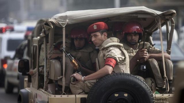 مقتل 3 تكفيريين والقبض على 3 آخرين بحملة أمنية في سيناء بمصر