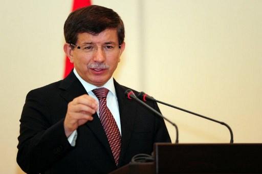 أوغلو: المعارضة تواجه النظام وداعش