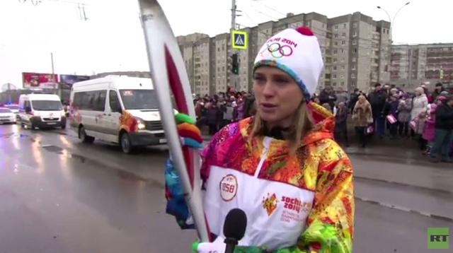 شعلة الأولمبياد الشـتوي تواصل جولتها عبر روسـيا نحـو المرجل الأولمبي في سـوتـشي