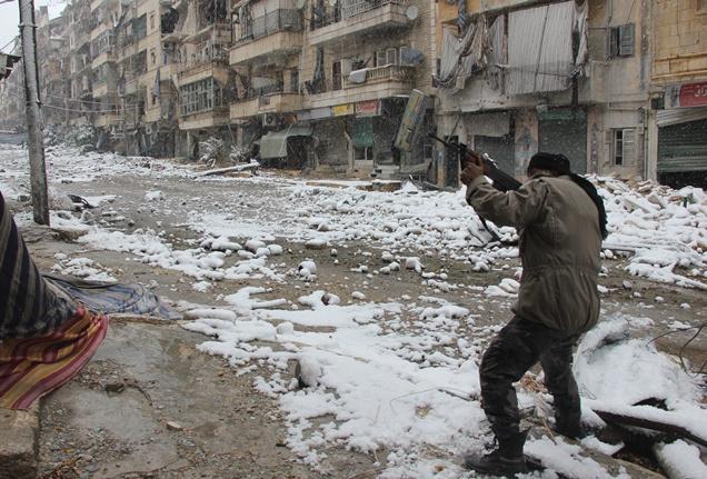 مراسلنا: مقتل عشرات المسلحين في اشتباكات عنيفة على أطراف مدينة صيدنايا بريف دمشق