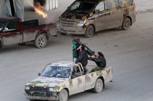 نشطاء: 16 قتيلا بتفجير سيارتين في معبر باب الهوى السوري مع تركيا