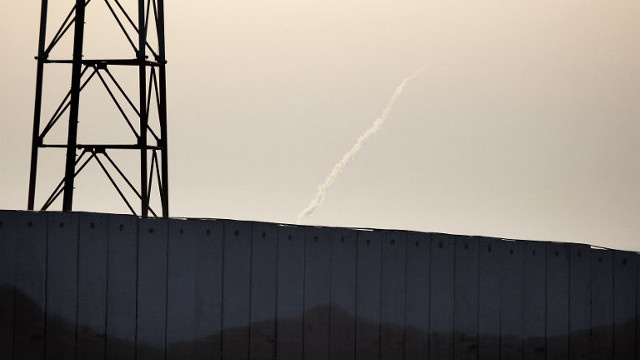 انفجار عبوة ناسفة بالقرب من السياج المحيط بجنوب قطاع غزة في إسرائيل
