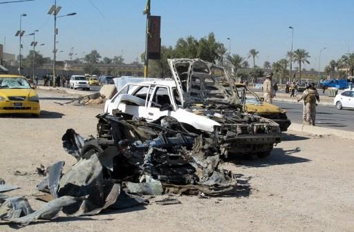 إصابة 11 شخصا بتفجير سيارة مفخخة وسط بغداد