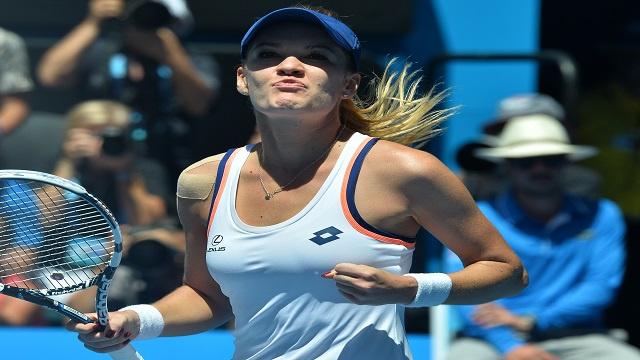 رادفانسكا تجرد أزارينكا من لقب بطولة أستراليا المفتوحة للتنس