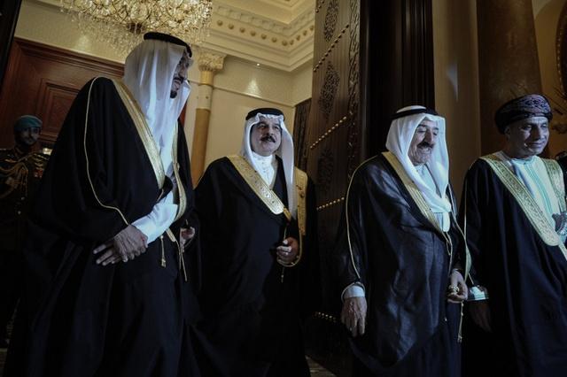 الديوان الملكي البحريني يلتقي بالقوى السياسية من أجل إحياء الحوار الوطني
