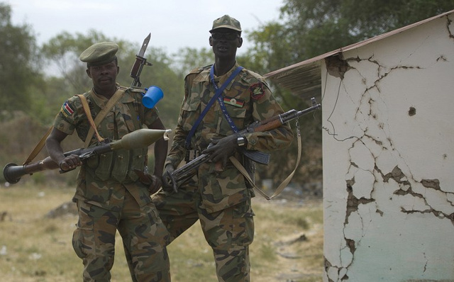 الحكومة والمتمردون في جنوب السودان يوقعون اتفاق وقف اطلاق النار