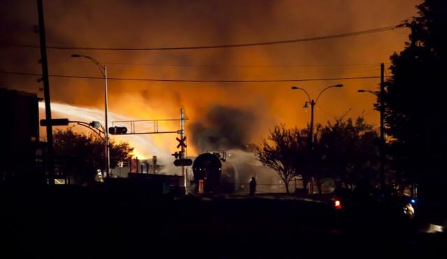 3 قتلى و30 مفقودا في حريق دار للمسنين بكندا