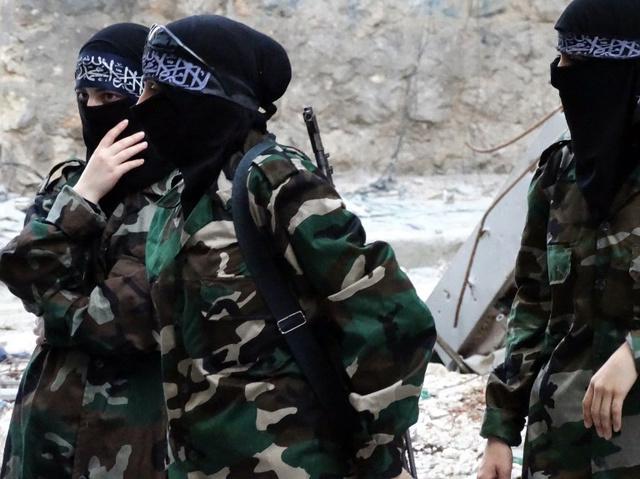 الشرطة البريطانية قلقة من تنامي الفكر المتطرف في البلاد.. بما في ذلك بين الفتيات