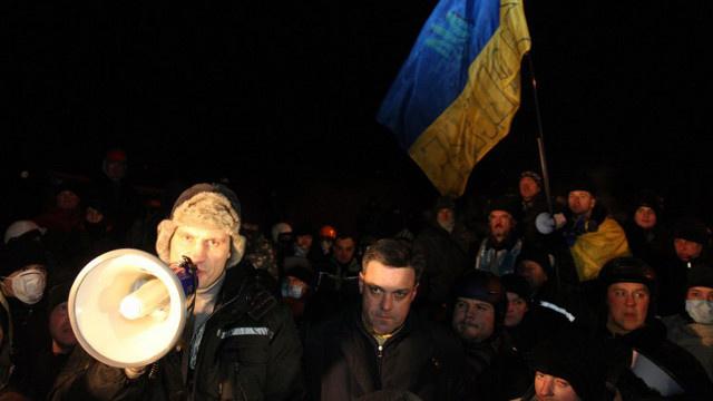 الداخلية الأوكرانية تحذر المتظاهرين من القيام بأعمال استفزازية.. واحتجاجات تعم غرب أوكرانيا