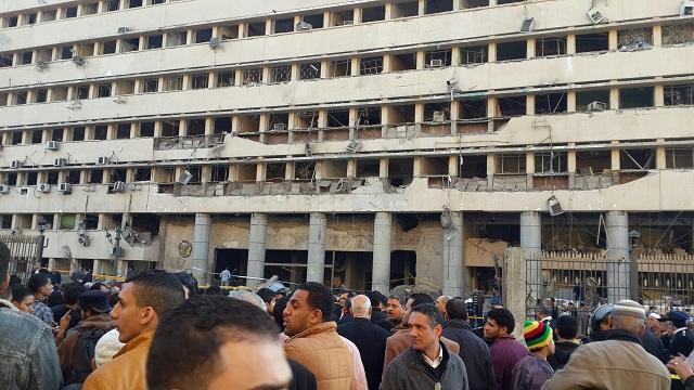 كاميرات المراقبة ترصد لحظة استهداف مديرية أمن القاهرة (فيديو)