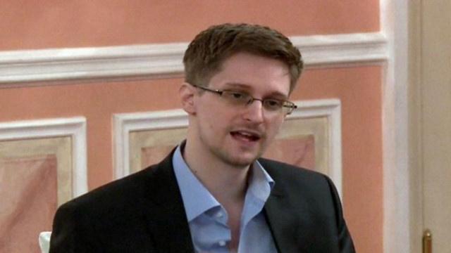 محامي سنودن يرى أن باستطاعة موكّله طلب تمديد اللجوء في روسيا