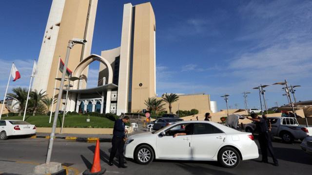 بعد خطف 5 من أفراد سفارتها.. مصر تجلي دبلوماسييها من ليبيا
