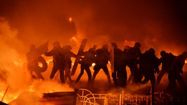 حزب الأقاليم: 300 ألف شخص يشاركون في مظاهرات تأييدا للرئيس الأوكراني