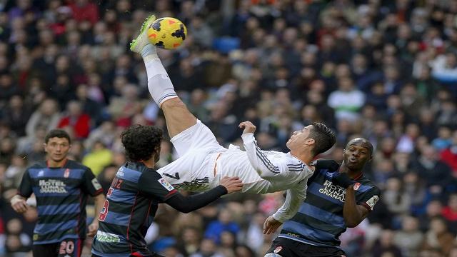 ريال مدريد يعتلي عرش الليغا بالفوز على غرناطة