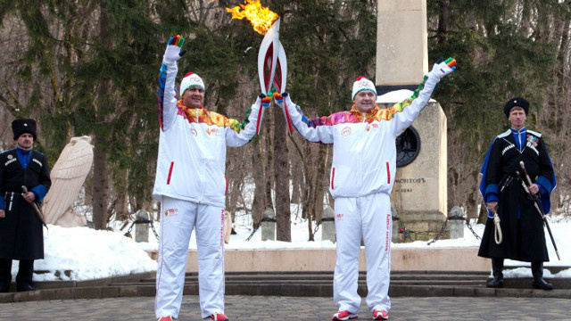 الشعلة الأولمبية تزور مقدسات بوذية في جمهورية كالميكيا في جنوب روسيا