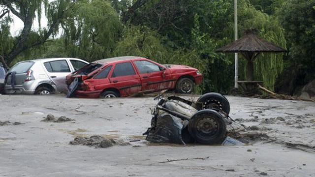 10 قتلى و25 مفقودا جراء فيضانات في الأرجنتين