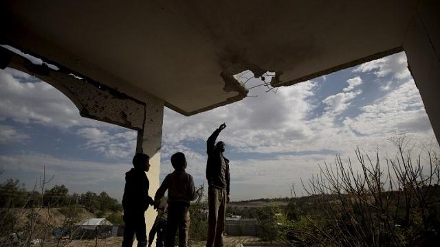 السلطات الاسرائيلية توافق على ادخال مواد بناء إلى قطاع غزة