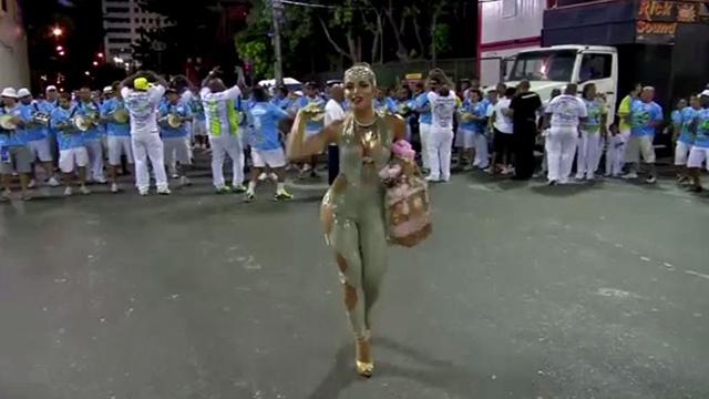 بالفيديو: إستعدادات لكرنفال السامبا في البرازيل
