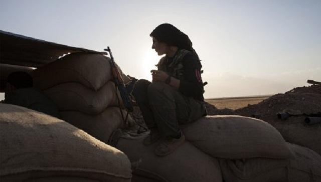 أكراد منطقة كوباني في سورية يعلنون إقامة إدارة حكم ذاتي