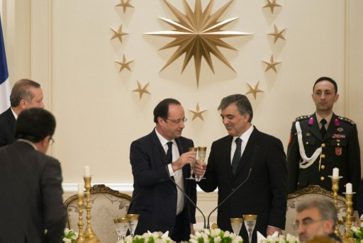 هولاند سيجري استفتاء بشأن انضمام تركيا الى الاوروبي وغول يدعو الفرنسيين الى عدم عرقلة ذلك