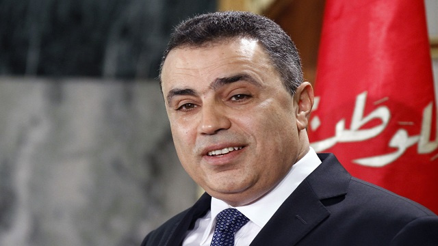 رئيس حكومة تونس يتعهد بمراجعة تشكيل فريقه الحكومي اذا وجد خللاً