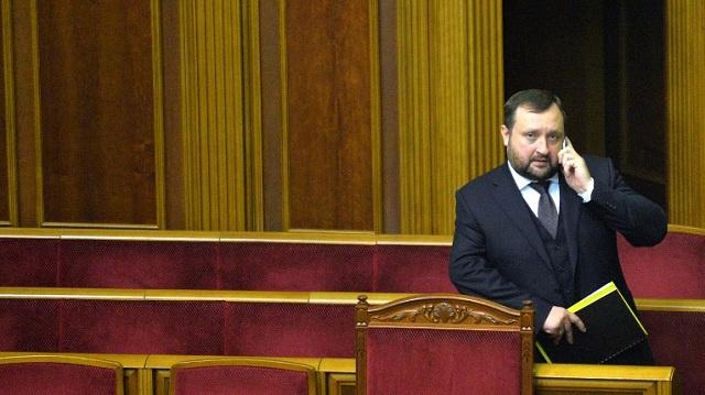 رئيس حكومة تصريف الأعمال في أوكرانيا: مستعدون لبذل كل ما بوسعنا لتجاوز الأزمة في البلاد