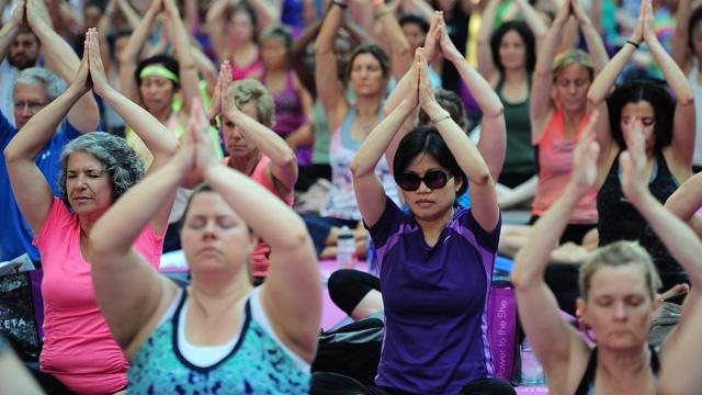 اليوغا تسرّع من تعافي النساء المصابات بسرطان الثدي