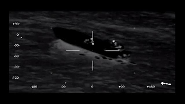 بالفيديو: قوات خفر السواحل الأمريكية والبريطانية تحجز ما قيمته سبعة وثلاثين مليون دولار من المخدرات