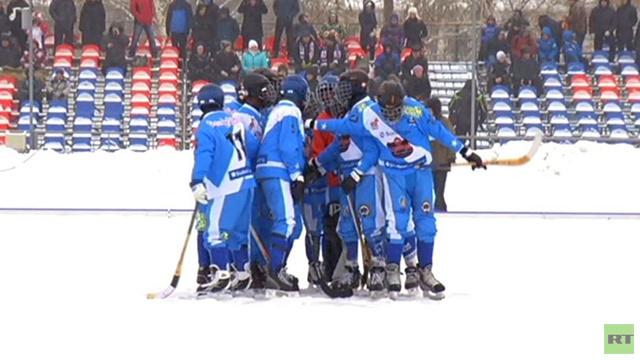 بالفيديو: المنتخب الصومالي للهوكي على الجليد يخسر أول مباراة له