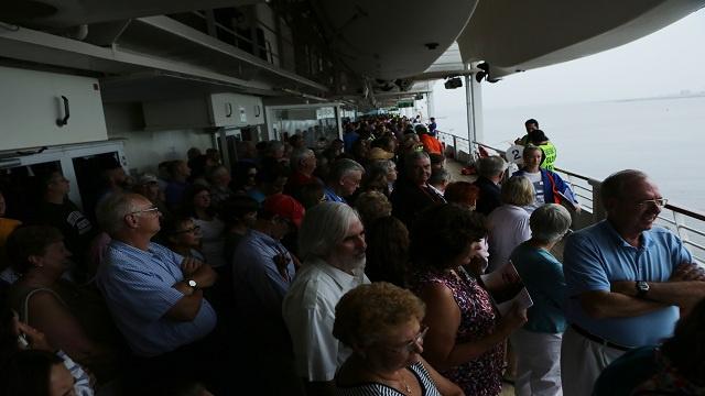 إصابة أكثر من 600 شخص في سفينة أمريكية بمرض غامض