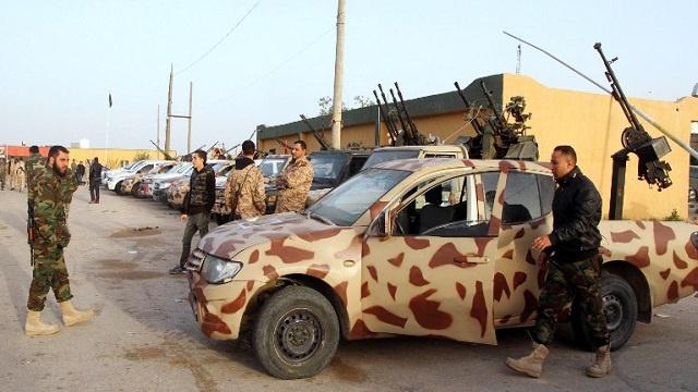 القوات الليبية تستعيد قاعدة جوية جنوب البلاد من أيدي المسلحين