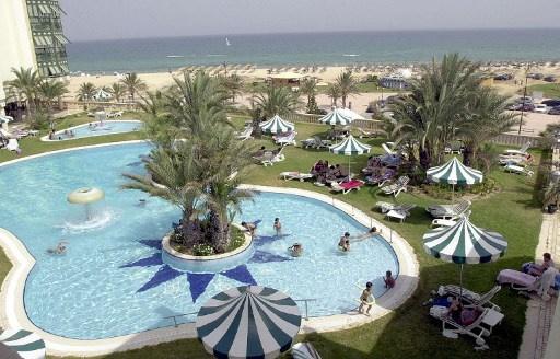 وزيرة السياحة التونسية تقدم استقالتها على خلفية اتهامات بـ