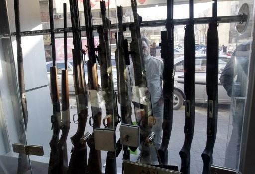 الأمن الاردني يقبض على سوريين حاولوا تهريب أسلحة ومخدرات
