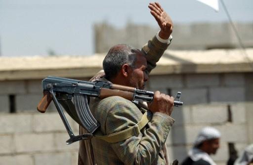 مقتل العشرات في معارك بين الحوثيين ومسلحين قبليين شمال صنعاء