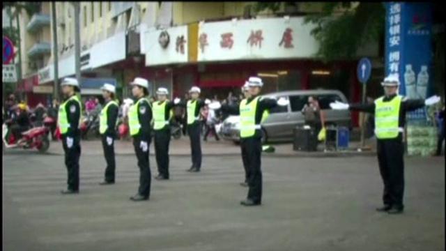 بالفيديو:عندما ترقص نساء الشرطة في الصين