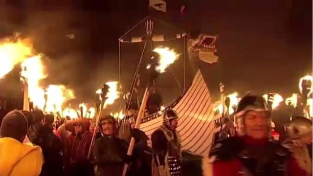 بالفيديو: الآلاف من الفايكينغ يغزون جزيرة زتلاند الاسكتلندية