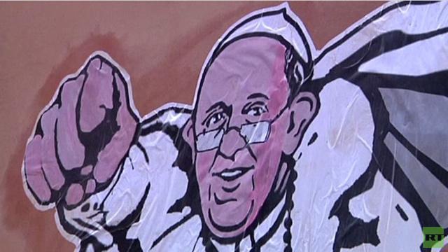 بالفيديو: صورة البابا فرنسيس تغطي مجلات النجوم